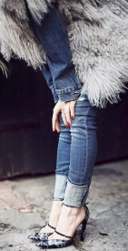 Многослойность. С чем носить джинсовую куртку осенью и зимой